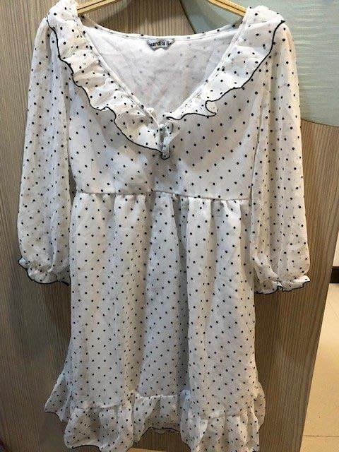 小花別針、專櫃日系品牌【LOURD A LIE】可愛白色黑點點短袖洋裝連身裙
