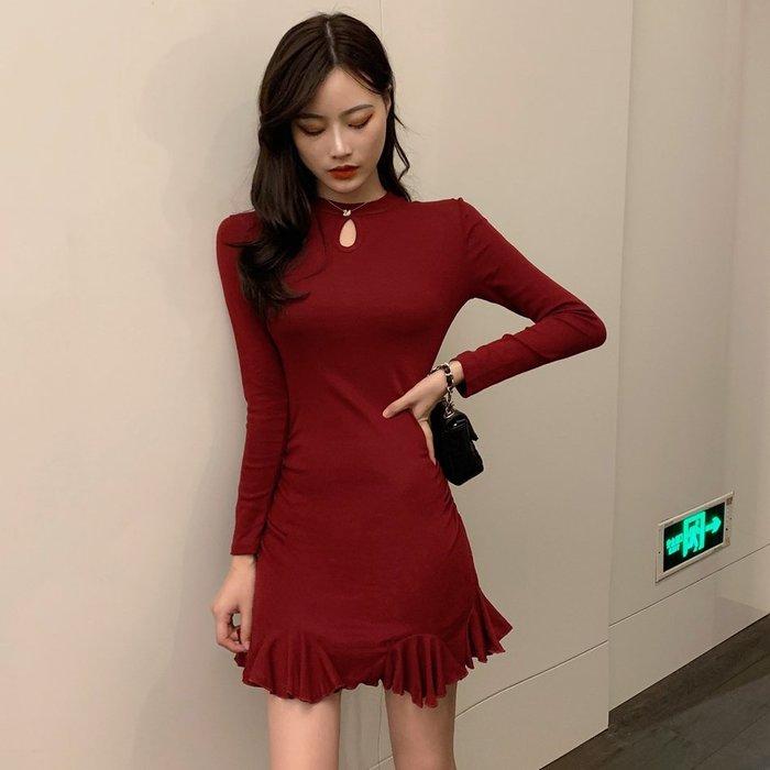 2020春季時尚新款氣質收腰顯瘦魚尾裙圓領鏤空連身裙打底短裙女潮