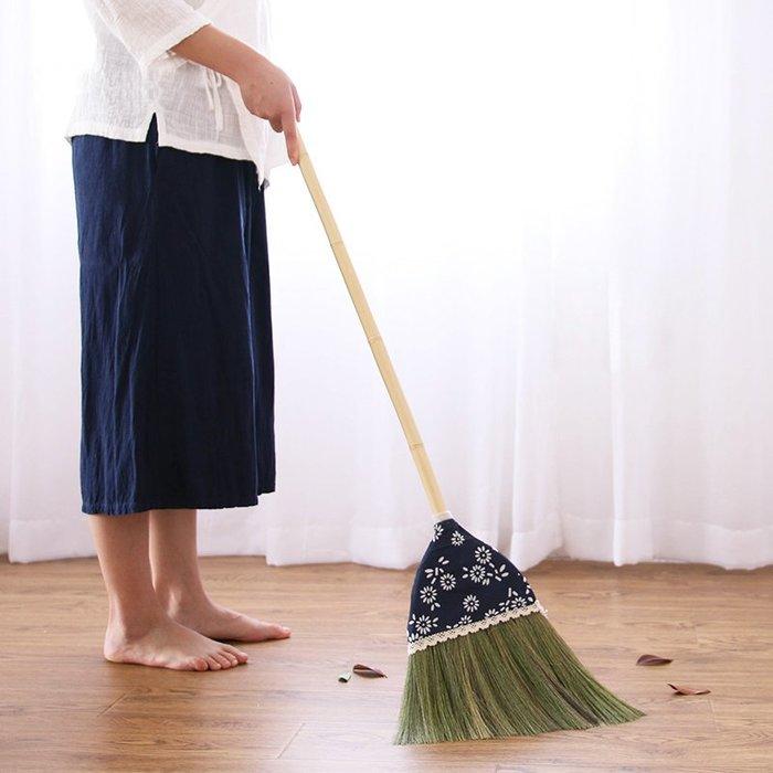 潮人街~竹掃把居家裝飾生活 現貨+預購 掃把掃帚 竹製品 客廳清潔用品 藝之初烏鎮手染包布芒草掃把單個掃帚掃地笤帚木地板