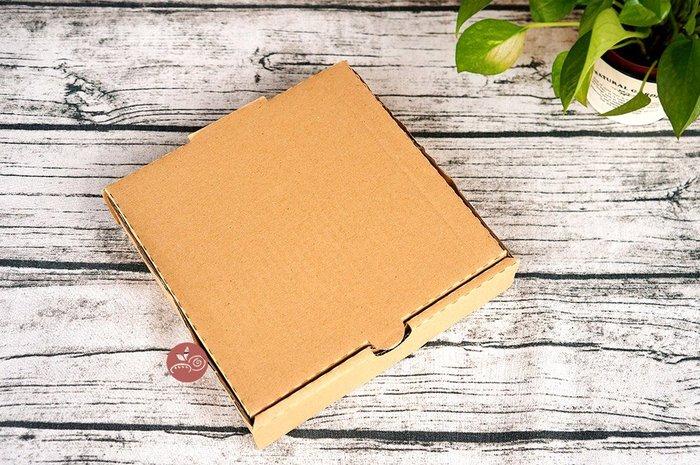 6-7吋披薩盒_翻蓋式(有透氣洞)_2入_A082-001◎翻蓋式.披薩盒.6-7吋.牛皮.素面.紙盒.外帶盒