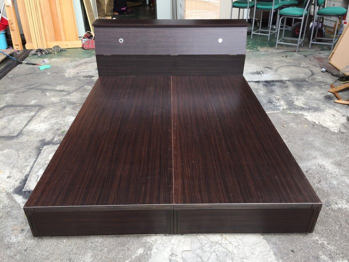 非凡二手家具 全新 胡桃 雙人5尺床架+床頭*實木床架*6x6.2尺床組*床底*床箱*雙人床*二手