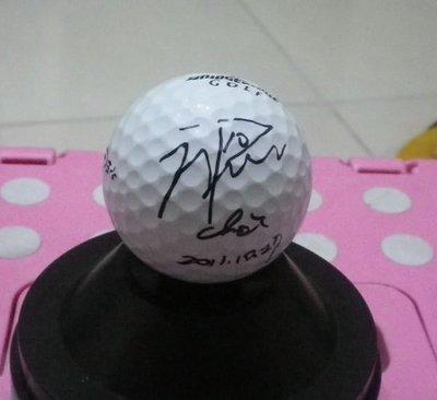 棒球天地--LPGA高爾夫球台灣賽南韓崔蘿蓮최나연簽名球.加簽開幕日期2011-10-27.字跡漂亮--2