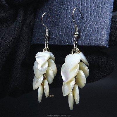 珍珠林~心型天然硨磲貝殼耳環#728
