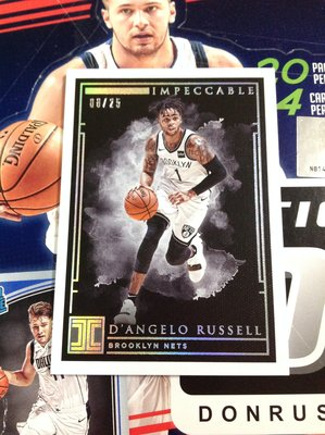18 19 Impeccable - Dangelo Russell 限量/25 Holo Silver 版平行卡