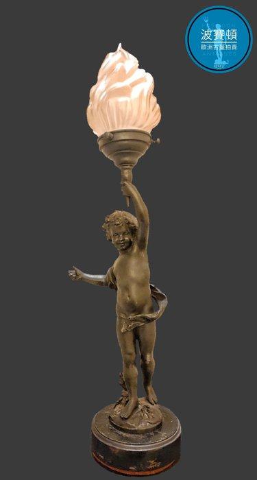 【波賽頓-歐洲古董拍賣】歐洲/西洋古董 法國古董 拿破崙三世風格 法國小天使火焰玻璃燈罩立燈/燭台 (尺寸:高50×直徑12公分)(年份:約1920年)