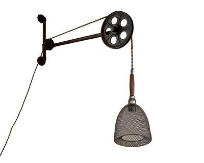 M.W JOINTS | 罕氏家居 MW鏽鐵水管風火輪支架配木把漁網工業吊燈