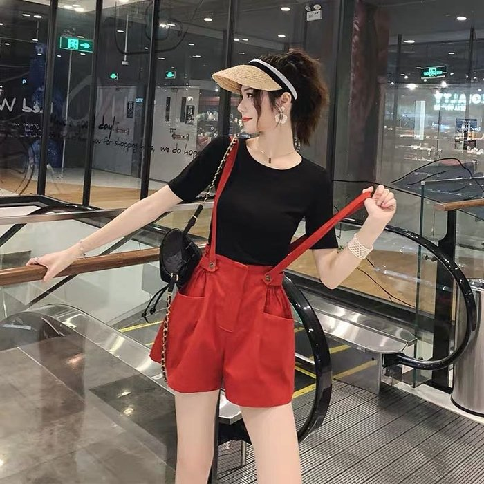 韓版休閒兩件式套裝短袖T恤花苞減齡吊帶褲短褲背帶褲