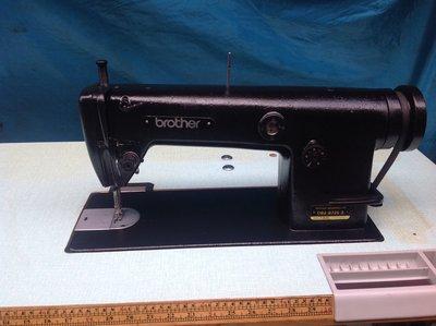 日本制 兄弟牌工業用 縫紉機 適合各類布、 應客人需要烤成黑色,贈LE口燈工作燈(保固半年)