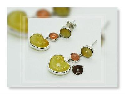 全新品 立體心型  天然黃色緬甸開心 玉 配 阿根廷紅紋水晶 (925) 純銀耳環一對 EJ-80/ EWBDU