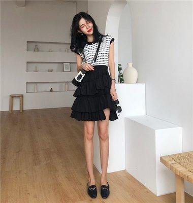 2018夏季新款韩版chic不规则蛋糕裙黑色白色$500上衣$450黑色白色