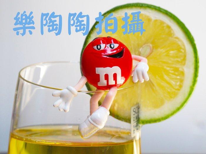 【樂陶陶】~(*∩_∩*)~ M&M巧克力/ 杯緣子/療癒小物/ 盒玩/可愛公仔/ 情人 /生日禮物/單售紅色一隻