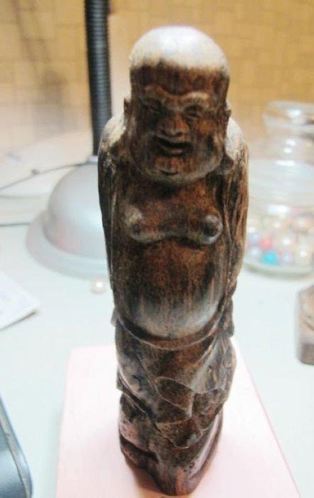[一品軒收藏品]越南油質飽滿沉香木擺件.
