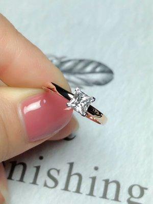 【18K莫桑鑽戒指】18K雙色金莫桑鑽戒指 公主方50分 簡潔極致 璀璨光芒 日本工藝