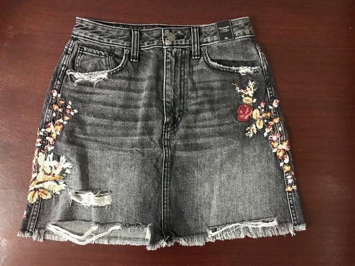 【天普小棧】A&F Abercrombie Denim Mini Skirt刷破不修邊繡花迷你牛仔短裙26/27現貨抵台