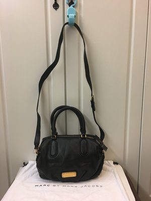 全新 Marc By Marc Jacobs 黑色真皮手袋 100%real (特價$3,900包郵,不退換)