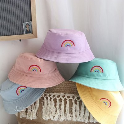 【媽媽倉庫】糖果色彩虹刺繡雙面可戴漁夫帽 帽子 童帽
