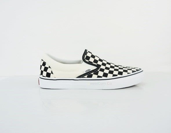玉米潮流本舖 VANS CLASSIC SLIP-ON VN-000EYEBWW 情侶款 棋盤格 黑米白 懶人鞋 現貨