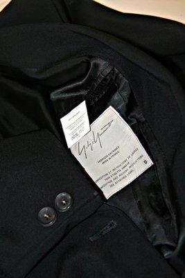 Yohji Yamamoto山本耀司草寫體主線深黑羊毛雙排扣中性大衣
