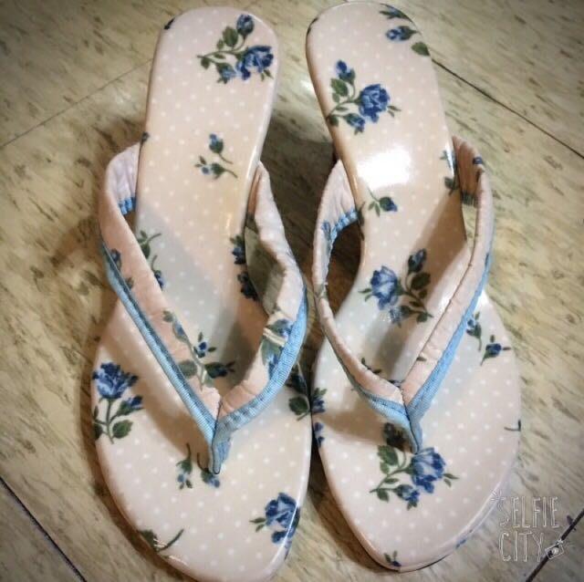 全新 日本購回 防水花布契型鞋 夾腳的