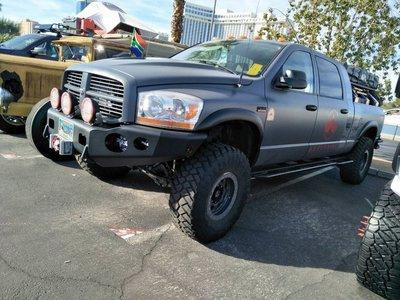 DJD19080638 道奇 Dodge 前保桿套件 依現場報價為準