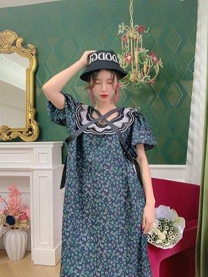 美女油畫裙LASS LIZ原創自制復古宮廷風油畫感泡泡袖翻領刺繡寬松大碼連衣裙