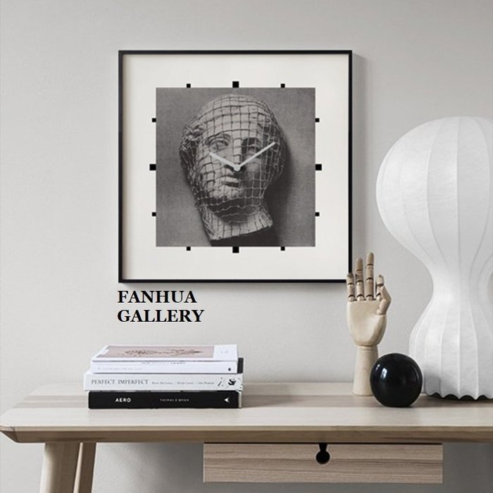 C - R - A - Z - Y - T - O - W - N 簡約方形掛鐘鋁合金框創意掛鐘裝飾品壁掛藝術畫時鐘壁鐘軟裝商空美學空間工作室設計師款維納斯掛鐘