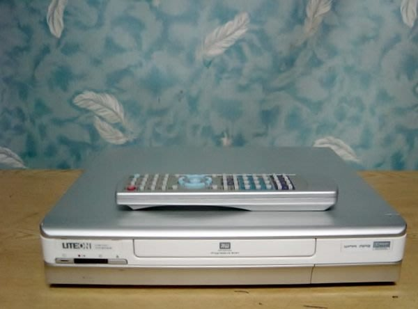 Y保固12個月【小劉二手家電】LITEON  DVD錄放影機,LVW1101型,壞機可修/抵!
