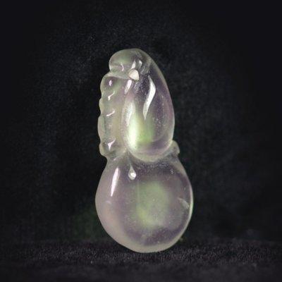 晶鑽小墜【紀孝莊】092013  冰種玻璃翠放光白翡墜  2.5x1.2x0.4cm  重3g