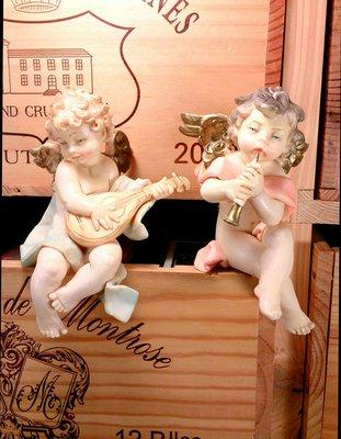 義大利進口坐式小天使塑像一對:義大利 進口 小天使 塑像 宗教 居家 家飾 擺飾 設計 收藏 禮品