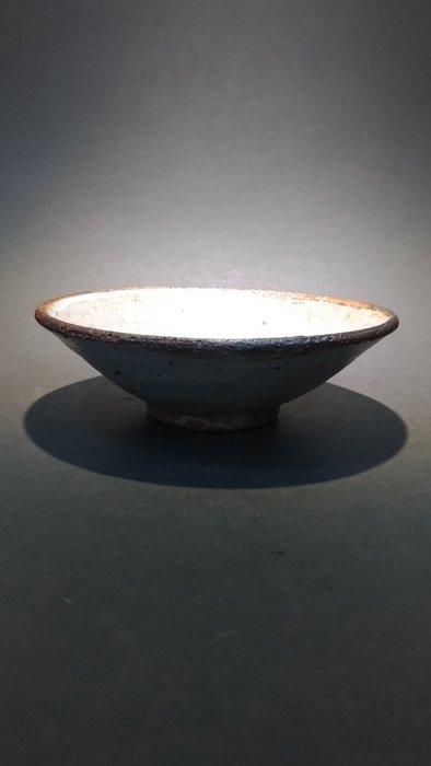 ☆清沁苑☆日本茶道具~在銘 日本職人手作 灰釉平茶碗~d552 //特價品//