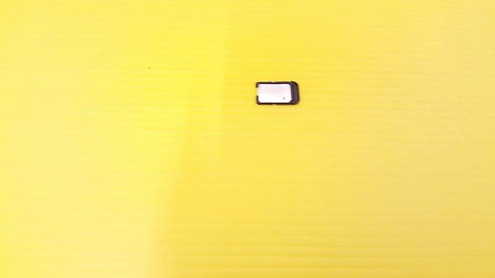 ☆誠信3C☆買賣交換最划算☆便宜 各式SIM卡座 各廠牌 照片為C5U原廠 只賣50  歡迎下標或來店自取