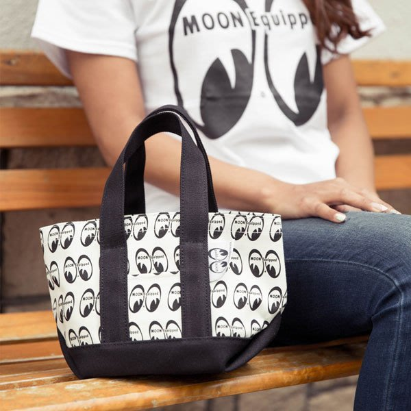 (I LOVE樂多)MOONEYES 多用途輕便LOGO手提袋 送人自用兩相宜