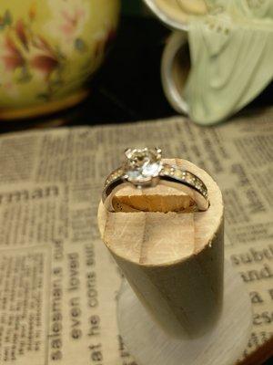 925純銀镀戒指 9號戒指圍 婚戒锆石