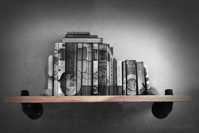 【 輕工業 】仿舊黑鐵水管一字原木書架-書房木板書櫃承板收納壁掛展示架