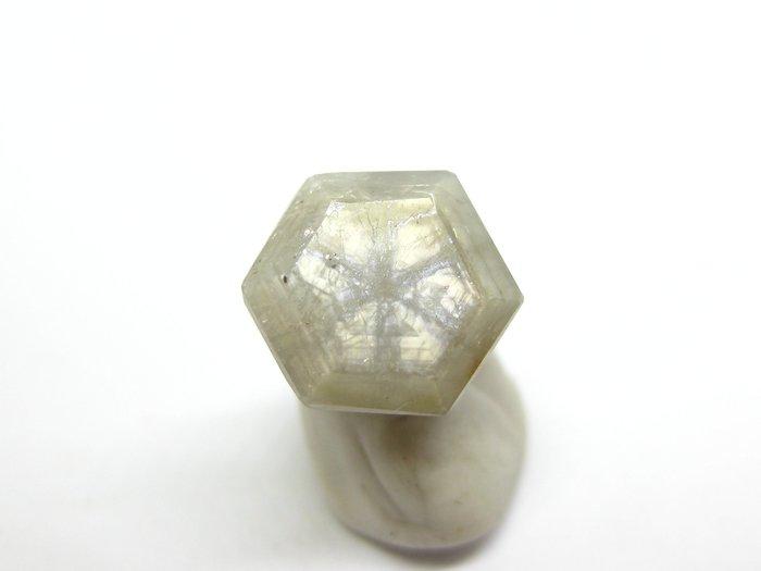 非洲 藍寶 達畢茲 六角切割寶石【Texture &  Nobleness 低調與奢華】