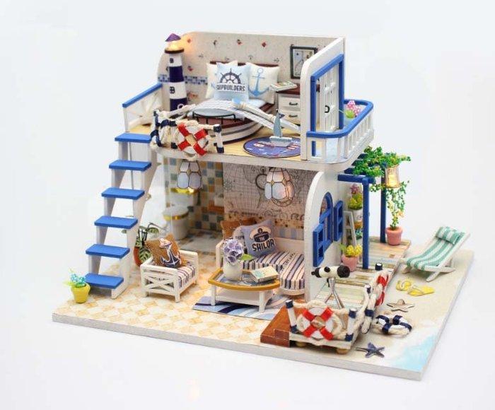 【批貨達人】淺藍海岸 手工拼裝 手作DIY小屋袖珍屋 帶防塵罩 迷你屋 創意小物 生日禮物 交換禮物