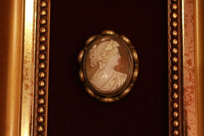 【家與收藏】特價極品稀有珍藏歐洲百年古董法國精緻珍貴手工CAMEO大貝雕希臘女神純珠寶掛飾(罕見褐色)