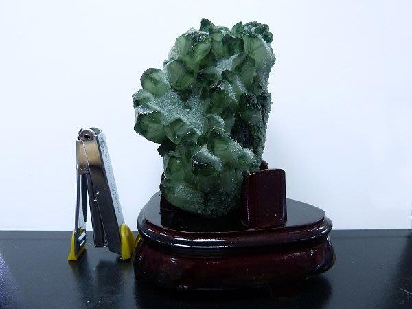 ☆寶峻晶石館☆特價~綠色水晶擺件(白水晶染色) BSS-194