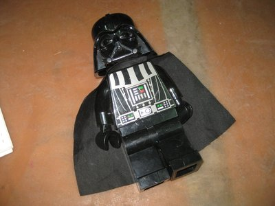 中古的....LEGO 樂高 黑武士 LED 手電筒 20 cm