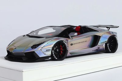 JUC 1/18 LP700 Roadster White w/white leather based J36-04