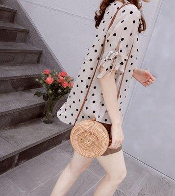 Bellee  正韓 好喜歡 蝴蝶小開衩袖點點絲質上衣  (2色)【J196274】 預購