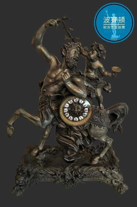 【波賽頓-歐洲古董拍賣】歐洲/西洋古董 法國古董 拿破崙三世風格 大型老人馬天使機械壁爐座鐘 (尺寸:高58×寬41×深19公分)(年份:約1870年)