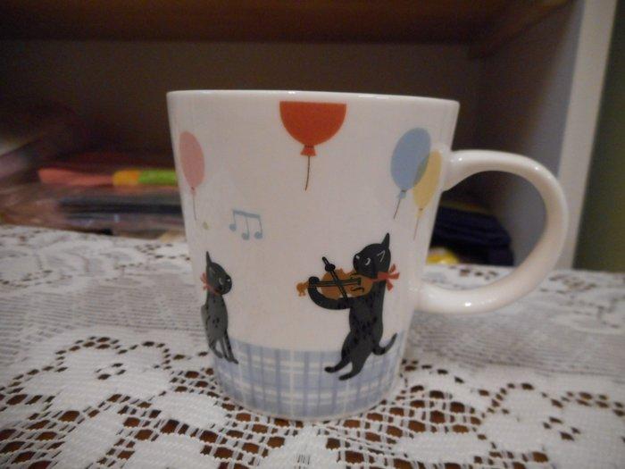 ~~凡爾賽生活精品~~全新日本進口黑貓音樂會遊行造型陶瓷馬克杯~日本製