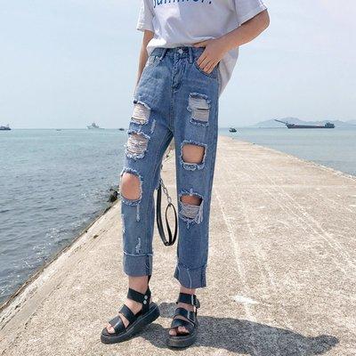 格格家 夏裝新款時尚BF風港味創意潮牌直筒時尚百搭磨破洞牛仔褲