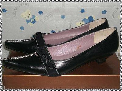 甜甜妞妞小舖 ☆百貨公司專櫃 GENUINE 黑色真皮蝴蝶結氣墊鞋--手工上班鞋-低跟尖頭包鞋尺寸有24.5-22.5號