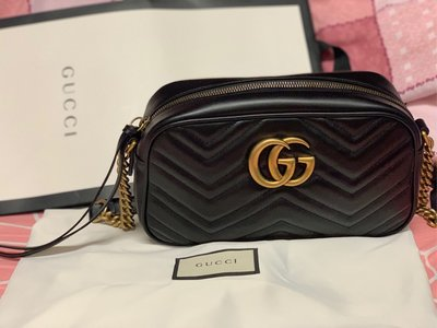 99% New Gucci Marmont small bag