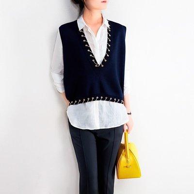 文藝專屬!小眾設計師款 大V領金屬鏈條裝飾針織背心上衣 [Classique*真經典] 080420