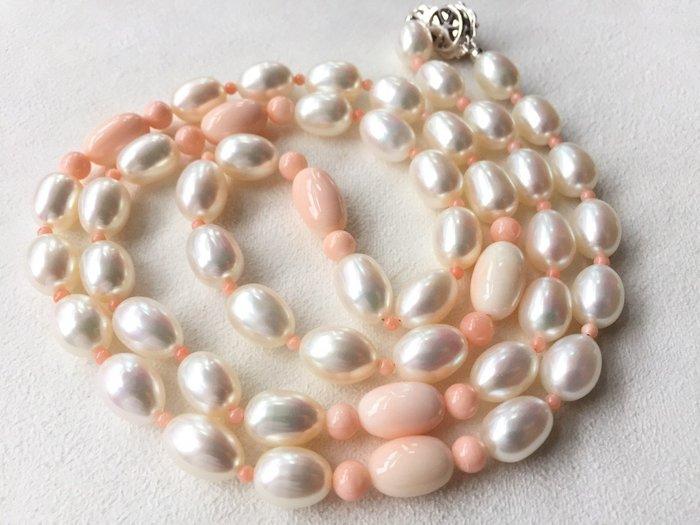 "【Texture & Nobleness 低調與奢華】天然無處理高品質白色珍珠+粉色珊瑚32""公主長鍊 配日本銀SV扣頭"