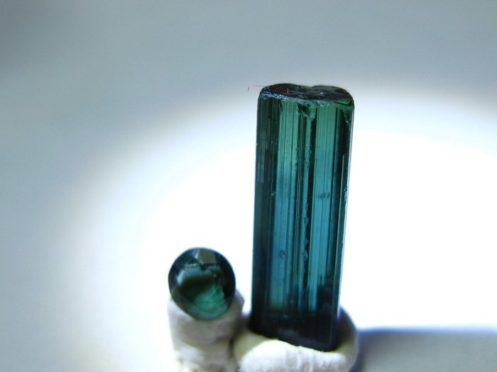 【Texture & Nobleness 低調與奢華】寶石&原礦 藍色碧璽切割寶石3MM&原礦2.8克拉
