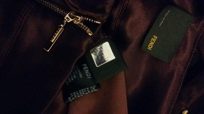 敦南 SOGO 專櫃購買 FENDI 酒紅色絲緞修身金屬拉鍊長褲